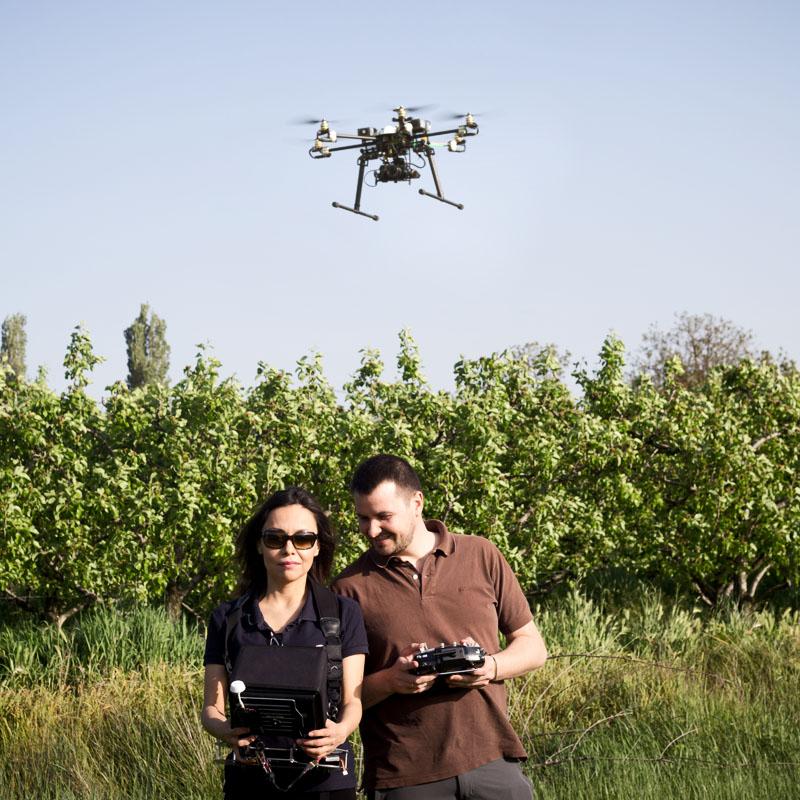 Carlos tarragona, drone, Heidi moreno, drones, campo, teledetección, GIS SpectralGeo, spectral geo
